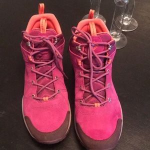 Columbia Women's Omni-Tech Hiking Boots 12